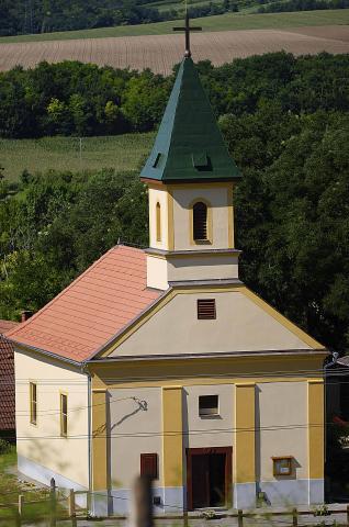 Tabajd Szent Kereszt Feltalálása templom